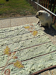 Úžitkový textil - Tkaný vlnený koberec lesný - 11053251_