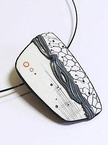 Náhrdelníky - Náhrdelník bielo-čierny - 11057883_