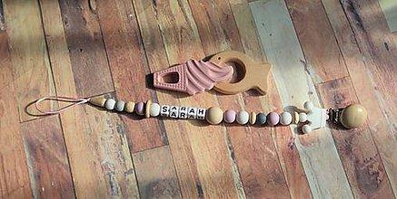 Detské doplnky - držiak na cumeľ alebo hryzátko (Sarah) - 11060525_
