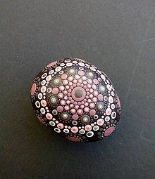 Dekorácie - Ružový slávnostný - Na kameni maľované - 11058828_