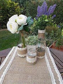 Úžitkový textil - Jútové štóly s vázami a svietnikom - 11058451_