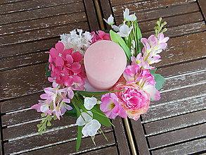 Dekorácie - Svietnik s kvetmi - 11058918_