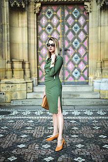 Šaty - Olivovo-zelené úpletové šaty - 11060965_
