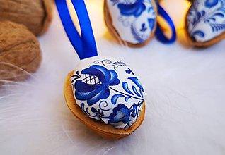 Dekorácie - Folk vianočné oriešky modré - 11060669_