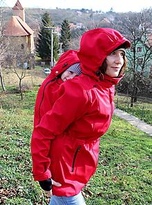 Kabáty - Softshellový kabátek pro nošení dětí- červený - 11062493_