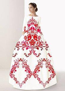 """Šaty - FLORAL FOLK """" Slovenská ornamentika """", spoločenské dlhé šaty (Biela + malinový akvarel) - 11061256_"""