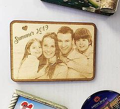 Magnetky - Gravírovaná drevená magnetka - 11063619_