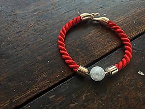 Náramky - Červený náramek s praskaným křišťálem - 11062428_