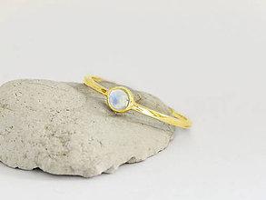 Prstene - 585/1000 zlatý prsteň s mesačným kameňom - 11068366_