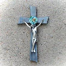 Dekorácie - Kríž so strieborným Korpusom (15cm - Modrá) - 11066605_