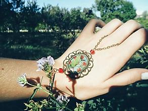 Náramky - Hand chain - nosím si lúku so sebou - 11068910_