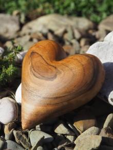Dekorácie - Orechové srdce ❤ - 11071087_