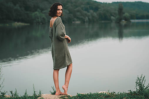 Šaty - Šaty V-NECK VOL.SHORT - 11069386_