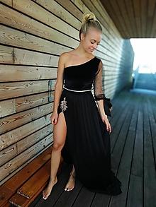 Šaty - Čierne dlhe.....s rozparkom zlava zo 179 na 150 - 11071585_