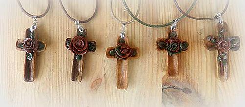 Náhrdelníky - drevený krížik... - 11071581_
