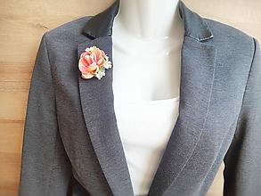 Odznaky/Brošne - kvetinová brošňa na sako alebo blúzku - 11073404_