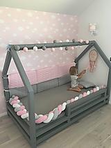 Textil - Ružošed, zapletaný mantinel do postele alebo postieľky, rôzne dĺžky a farby - 11071788_