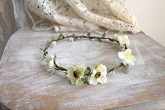Ozdoby do vlasov - Kvetinový venček ,,biely jemný,, - 11073594_