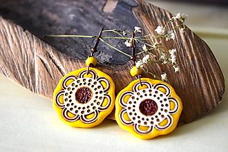Náušnice - žlto-hnedé náušnice-kvitnúce - 11073035_