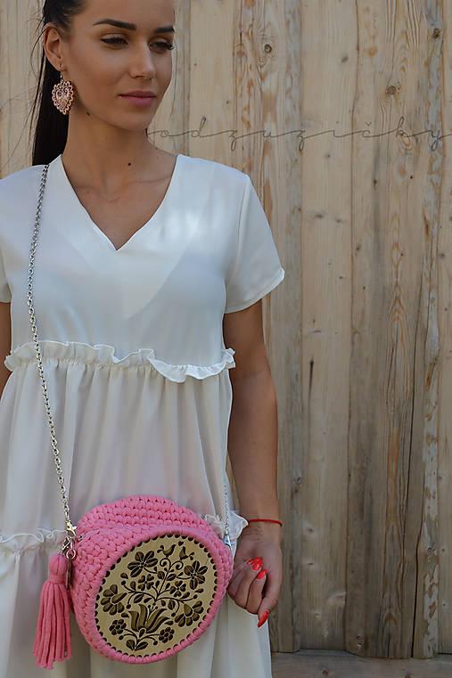 Drevená kabelka hačkovaná Dorka  (cca 16 cm - Ružová)