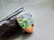 Náhrdelníky - Drevený náhrdelník - Dúha v pralese - 11072746_