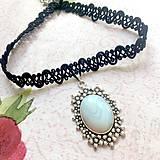 Náhrdelníky - Antique Flower Opalite Choker / Náhrdelník - choker s opalitom - 11076307_