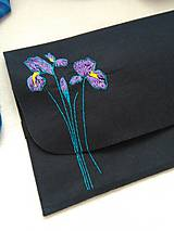 Na notebook - Kosatce (ručne vyšívaná plstená taška) - 11077710_