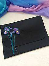 Na notebook - Kosatce (ručne vyšívaná plstená taška) - 11077712_
