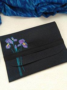 Na notebook - Kosatce (ručne vyšívaná plstená taška) - 11077713_