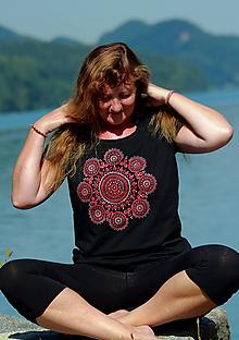 Tričká - Dámske tričko maľované OM PARVAT - 11076185_
