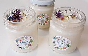 Svietidlá a sviečky - Sviečka zo sójového vosku (Práve opraté obliećky) - 11078021_
