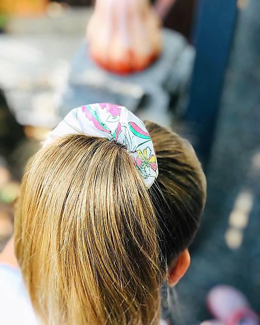 Bavlnená elastická gumička scrunchie white