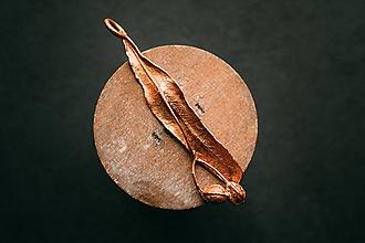 Náhrdelníky - Prívesok lipový plod - 11077778_