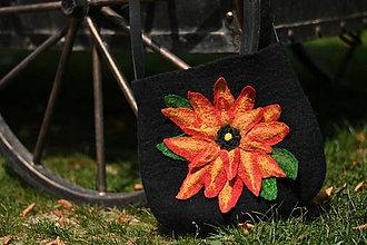 Kabelky - plstená kabelka - 3D kvet - 11077879_