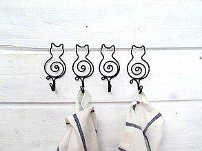 Nábytok - vešiak mačka - 11077918_