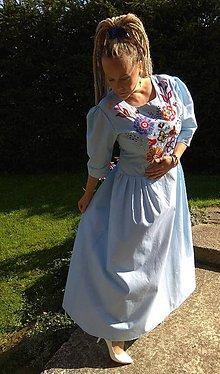 Šaty - Ručne vyšívané šaty - 11076901_