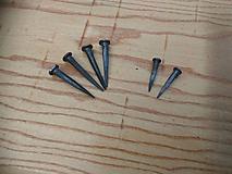Materiál ručne robený - Kované konštrukčné klince - 11082150_