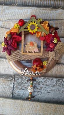 Dekorácie - Hnedý jesenný venček s ježkom DOMOV - 11082358_
