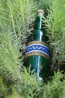 Drobnosti - Fľaška a modrou výšivkou - 11082198_