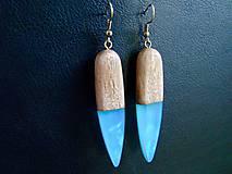 drevené náušnice- Modré kvapky