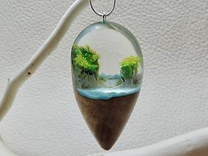 Náhrdelníky - Drevený náhrdelník - Kvapka oceánu - 11080870_