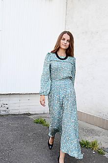 Šaty - Ľahké vzorované šaty s riasenými rukávmi - 11079677_