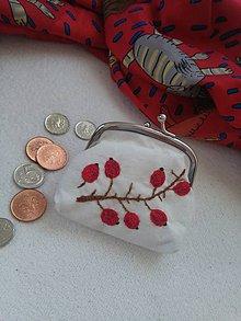 Peňaženky - Šípková (ručne vyšívaná mincovka) - 11084230_