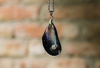 Náhrdelníky - Prívesok Mušľa s perlou - 11084493_