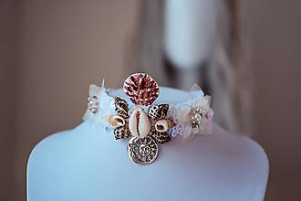 Náhrdelníky - Choker náhrdelník s mušličkami z kolekcie - 11084790_