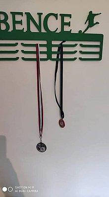 Detské doplnky - Vešiak na medaily pre vašich športovcov - 11083474_