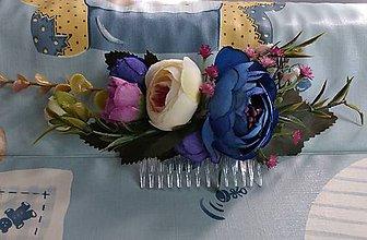 Ozdoby do vlasov - Modrasto fialkasty hrebienok z pivoniek - 11084259_