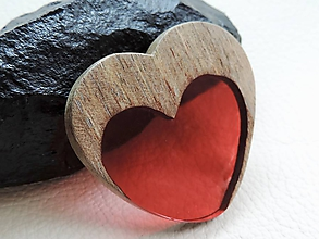 Odznaky/Brošne - Drevená brošna- Srdce v srdci - 11085189_