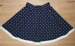 Sukne - Sukienka Kvietky z babičkinej truhlice na tmavomodrej - 11088044_