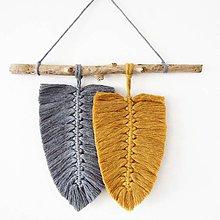 Dekorácie - Makramé závesná dekorácia TILIA - 11087742_